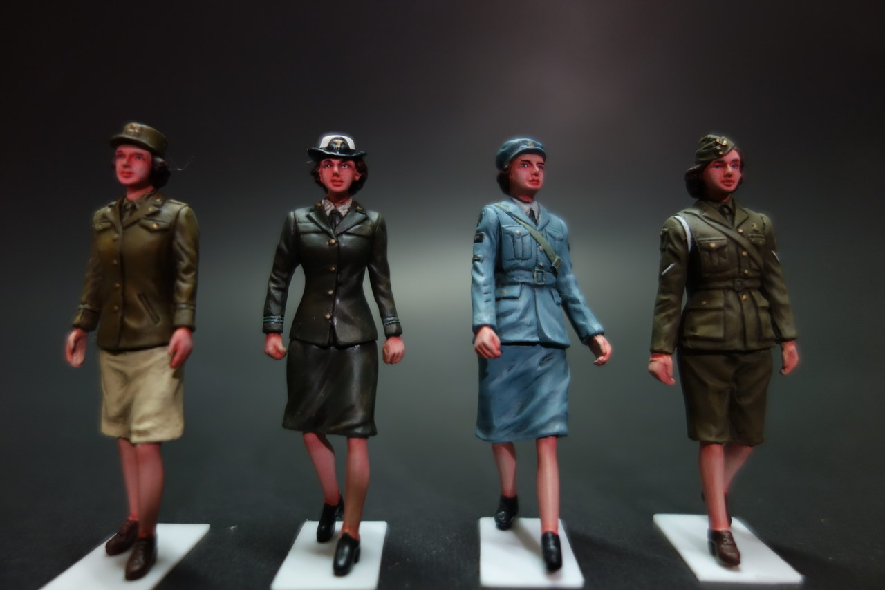 WWII Allied Female Officer 1:35 - FineScale Modeler - Essential