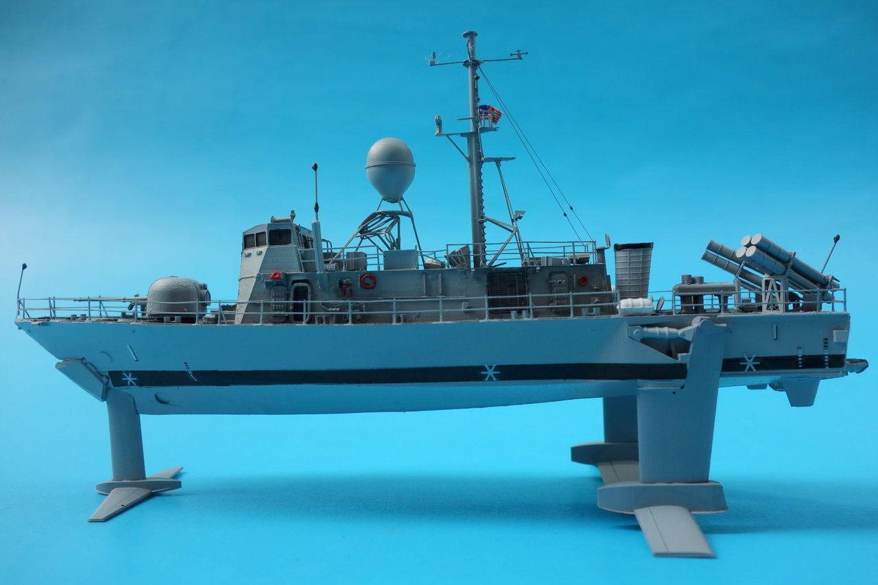 8 Submarines + Pegasus-Class Hydrofoil - FineScale Modeler